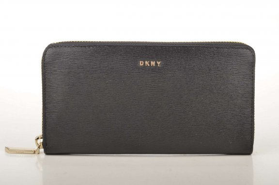 R3257060 Black Peazenka DKNY LARGE ZIP AROUND